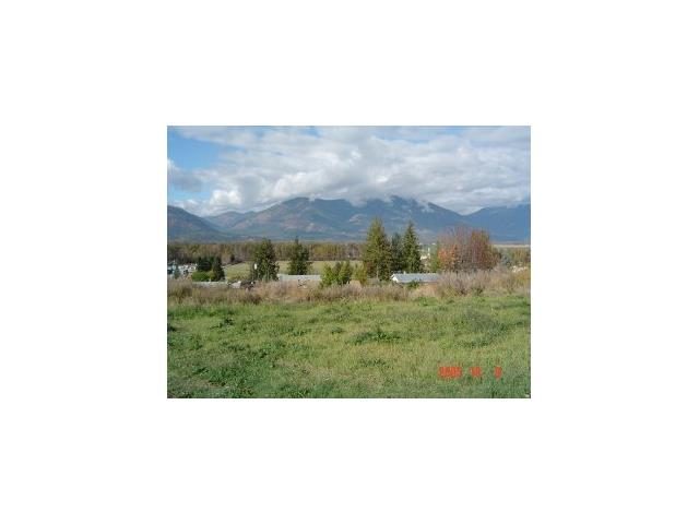 Welcome to 623 7th Ave S. This building lot is located in a quiet cul-de-sac. Possible walkout basement site with incredible mountain views. Enjoy the views, without the traffic noise and still be within walking distance to the quaint shops and amenities you'll find in the friendly downtown area of Creston B.C. The adjacent lot 619 is also available, so bring your ideas!