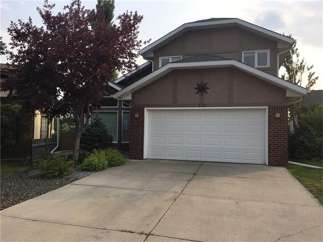 """Great opportunity for you to purchase this 2 story split home at an amazing price!!! Private setting with a beautiful landscaped west backyard-mountain view, minutes walking to FISH CREEK PARK. Main floor offers a large living/dining area with vaulted ceiling and large windows that allow plenty of natural lights. Private kitchen with a breakfast nook open to a spacious family room with wood fireplace. The Wood-Staircase is leading you to the upper floor where a great master bedroom (master ensuite, walk-in closet)with a nice view of the mountains will impress you. Two more bedrooms-hardwood floor plus a full bath complete the size of the top floor. Finished basement, double attached garage, quiet street, playground nearby and very easy access to major roads. With a little """"love"""" from you this home has so much to offer!!! MAKE THE MOVE!!!"""