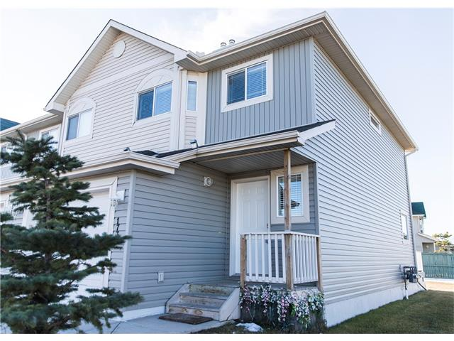 Welcome to Bayside, this beautiful end townhouse is steps from the canal and walking paths.  The main floor plan features the living room, dining room, a beautiful kitchen with plenty of counter space, updated appliances, half bathroom for your convenience, on the top floor, you will find two good size bedrooms with large windows, a 4 piece main bathroom, there is plenty of room in the master bedroom, with his and hers closet, 3 piece ensuite. The communal green space that wraps the townhouses is used by all the families for games and parties. This beauty won't stay on the market for very long, give us a call today!