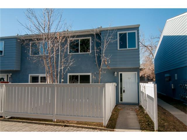 Located close to ALL amenities, this well-managed complex with 2 bedrooms and its own private yard is ready for your personal touch! All windows and the front door have been recently replaced. Basement is undeveloped and has hook-ups for washer/dryer. Buses and C-Trains are close - as well as Lord Beaverbrook High School, Acadia Recreation Complex and the new Alberta Tennis Centre!