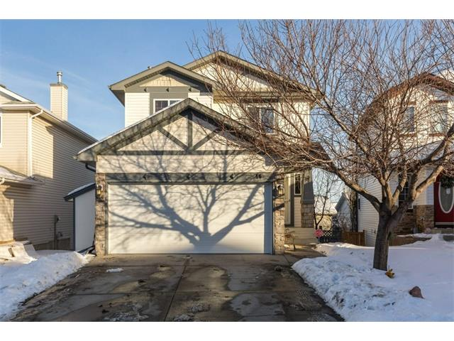 ** OPEN HOUSE Sunday Nov 21 ; 1-3pm **  QUIET LOCATION, Fully Finished, WALKOUT, Central AC, TWO Gas FIREPLACES, 4 Bedrooms (3 up / 1 down),  gorgeous UPPER DECK VIEWS and wondrous BACKYARD PRIVACY w/ mature trees.  This home has been well cared for and updated throughout the years.  Move right in, put your feet up and enjoy!  NEWER ROOF - KITCHEN - PAINT - APPLIANCES - FURNACE - CENTRAL AC - STAMPED BACKYARD CONCRETE - ALL BATHROOOMS RECENTLY RENO'D AND UPDATED!   Granite, Hardwood, updated Cabinets, built in speakers + garage is ready and wired for heat! Close to 3 Well Established Hidden Valley Schools and all amenities.  Very easy access to Stoney / Deerfoot and loads of shopping w/ Public Transportation nearby.