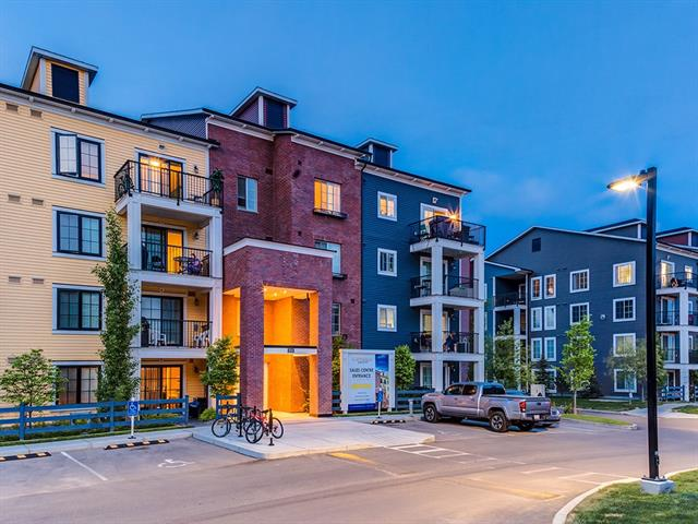 ONE OF THE LARGEST UNITS in COPPERFIELD PARK III! BEAUTIFUL TOP FLOOR, CORNER UNIT, 2-BED, 2-BATH condo w/over 903 sq ft of living space, 2 TITLED PARKING STALLS (1 UNDERGROUND + 1 above), STORAGE LOCKER , CLOSE to the SOUTH HEALTH CAMPUS, Shopping, PARKS, PATHWAYS + the AMAZING MOUNTAIN + DOWNTOWN VIEWS! MODERN + CLEAN w/9 ft KNOCKDOWN ceilings, GRANITE counters, GAS FIREPLACE, CEILING FANS + more! SPACIOUS floor plan w/separate FOYER + closet that leads into an OPEN DINING area, GORGEOUS kitchen w/TALL DARK CABINETRY, matching BLACK appliances, TILE + GLASS Backsplash, PENDANT LIGHTING, GARBURATOR, LIGHT GRANITE counters + ISLAND w/EXTRA storage, BRIGHT LIVING rm w/COZY Corner GAS F/P + HUGE sliding doors to a BIG BALCONY w/GAS hook up for BBQ + STUNNING SUNSET VIEWS! The Master Suite features a WALK-THRU closet + 3pc EN SUITE w/TILE FLOORS + STAND UP SHOWER! The 2nd bdrm has a BIG closet + is close to the 4pc BATH w/GRANITE COUNTER + separate STACKABLE LAUNDRY CLOSET! Call to book your showing today!!!