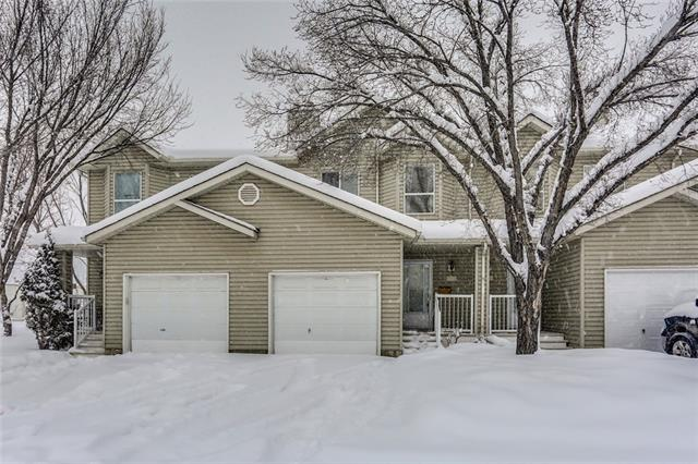 Lovely unit in a well-maintained complex in ever-popular McKenzie Lake. Excellent open-concept floor plan with bright living, dining & eating areas and a french door leading to the large deck & back yard. The kitchen features crisp white cabinets & appliances, and a center island for food prep. Tile & laminate flooring throughout makes cleaning a breeze. Access the attached garage through the mud room with convenient back closet. Upstairs, the master suite is very spacious, with double closets and enough room for a sitting area. 2 additional bedrooms upstairs, and a full bath. The basement is unspoiled and ready for your ideas. McKenzie Lake is a fantastic established community. Walk to the school right across the street and enjoy plenty of shopping, restaurants, professional offices and much more within minutes.