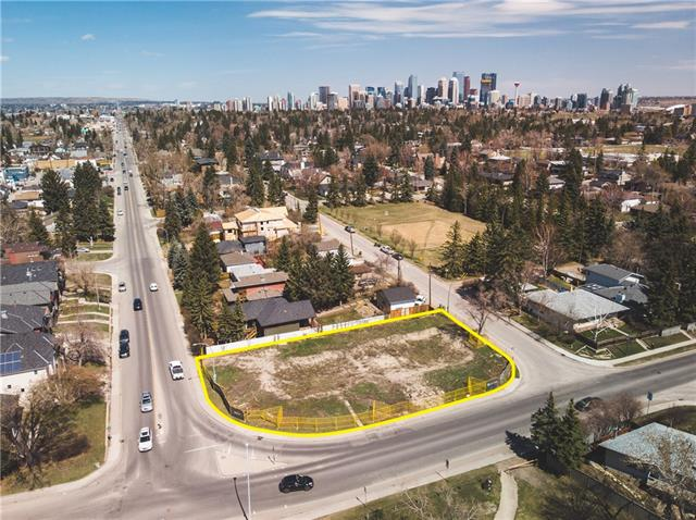 Prime Redevelopment Lots in Elbow Park across from River Park. To be sold along with 1404 38 Av SW. Lot Size is over 7700 sqft plus 7000 sqft (1404 38 Av SW) For a Total of over 14700 sqft for Development on lots 16-19. Approval from City to build 3 houses. Preliminary drawings can be purchased showing 3 houses on the 2 lots. 1408 38 Ave SW must be purchased with 1404 38 Ave SW.