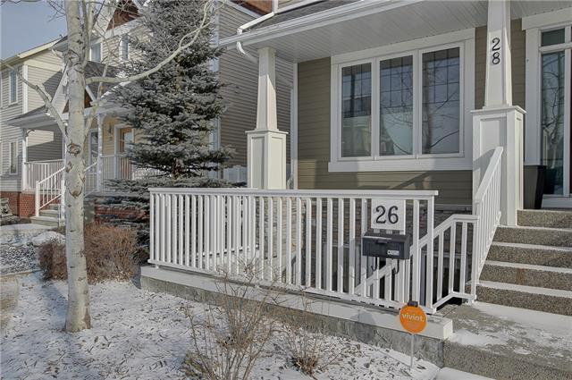 LOW CONDO FEE's HIGH END CONDO. Pride of ownership  throughout this wonderful 1 bedroom unit. Large windows allow for an an abundance of daylight. Hardwoods throughout living room, dining, and kitchen. 9 ft ceilings. In the kitchen you'll find maple cabinets, backsplash and a large pantry and island. The Master Bedroom has lots of space and a huge walk in closet with organizers. The bathroom has a soaker tub and with the oversized hot water tank , there's never a shortage of Hot Water. LOW CONDO FEE'S , IN FLOOR HEATING,FRONT PRIVATE PATIO, CLOSE PROXIMITY TO MRU and amenities make this property one of a kind.