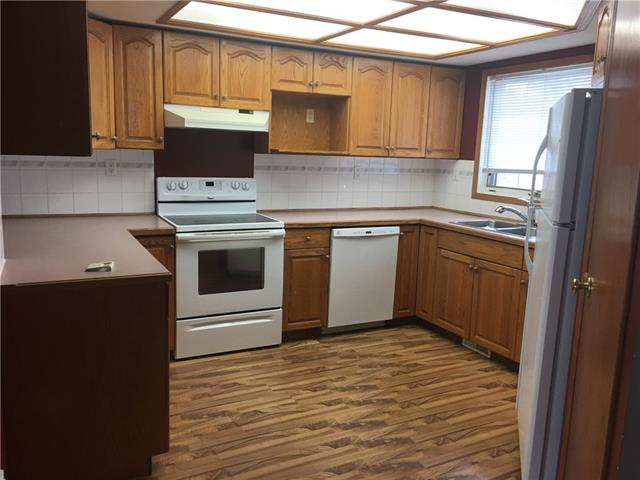 Welcome to new home,  Nice home and good floor plan, Huge lots with hot tub at the back.   this is a foreclosure property and needs some work...........................Bank said sell it................Perfect home with walkout basement and lots of space .................