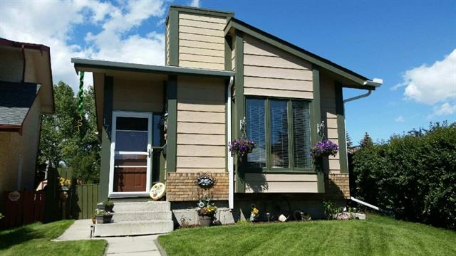 Back on the Market! Previous offer fell through due to Financing. HOME INSPECTION REPORT available to buyers who write an offer! Immaculate bungalow just 2 blocks from the lake!! Over $40,000 in recent renovations (past 5 years) include: new garage, deck, shingles, eaves,  windows, hot water tank, retaining wall, upgraded insulation, 2 storm doors, carpet, fresh paint, garden doors, light fixtures ... and of course, what you will notice immediately upon entering this home is the renovated kitchen! Gorgeous new cabinets, back-splash, granite counter-tops with SS appliances make this a dream kitchen! The over-sized master bedroom leads you through garden doors to deck where you'll discover that this beautiful home backs onto a park. The private and tastefully landscaped backyard is tranquil and quiet, perfect for summer evenings. A 2nd bedroom & 4 pc bath complete the main level. The fully developed lower level boasts a MASSIVE family room, 3 piece bath, 2 bedrooms, laundry and storage.
