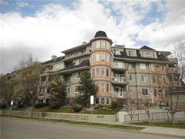 A LUXURY CONDOMINIUM IN THIS GREAT INNER CITY COMMUNITY, 9' CEILINGS, MAPLE KITCHEN CABINETS, LIVING ROOM WITH FIRE PLACE, 2 BEDROOM PLUS DEN, FRENCH DOORS ON MASTER & DEN, MASTER BEDROOM ENSUITE WITH CORNER JETTED TUB & SPARATE SHOWER & WALK-IN CLOSET,GRANITE COUNTERS IN THE KITCHEN AND BATHROOMS, BALCONY WITH STORAGE AND GAS LINE, AND UNIT FACING INTO THE COURTYARD, UNDERGROUND HEATED PARKING, CAR WASH, WALKING DISTANCE TO THE RIVER, REPSOL CENTRE, C-TRAN STATION.