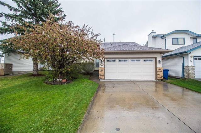 OPEN HOUSE SUN OCT 14th 1-4pm. Welcome to this fantastic bi-level located in the sought after mature neighbourhood of Waterstone. This home is a perfect family home, featuring three main floor bedrooms. The master bedroom features a full ensuite bathroom and fantastic walk-in closet as well as ample space for a king sized bedroom suite. The dining room and living room feature incredible 11 foot vaulted ceilings. A garden door leads from the living room to the mature landscaped backyard; with a huge deck space for entertaining all while leaving plenty of grass for kids and pets. In the fully-developed basement you will find a fourth bedroom, a half-bath, laundry room and ample storage. The basement features a large rec-room with huge windows allowing for plenty of natural light. Schedule your showing today!