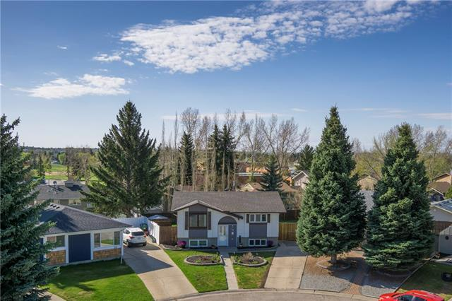 SPECTACULAR LOCATION!!! This MOVE-IN READY bi-level has OVER 1409 sq ft of DEVELOPED living space, BEST VIEW in QUIET CUL-DE-SAC, LOVELY LANDSCAPING in FRONT + 2-TIERED DECK w/HUGE SOUTH-FACING B-YARD + AMAZING features like NEWER ROOF, WINDOWS + H2O TANK! Foyer leads you upstairs w/BEAUTIFUL OAK bannisters + baseboards thru-out, LARGE Living rm, BRIGHT Dining area w/doors to WONDERFUL 2-tiered Deck, Kitchen w/TONS of OAK CABINETRY, BIG WINDOWS over sink, MATCHING white appliances incl. PORTABLE DISHWASHER + NEW linoleum, 4pc UPGRADED Family bath w/JETTED TUB, GRANITE counter + BEAUTIFUL TILING + 2 Bdrm's incl. GOOD-SIZED Master. Bsmt has GREAT-SIZED Family rm w/add'l Flex area, 2pc Bath, add'l Bdrm, Laundry, + EXTRA STORAGE. Deck is made of LOW-MAINTENANCE COMPOSITE w/MODERN ALUMINUM bannister, leads to WELL-CARED FOR, HUGE SOUTH-FACING B-YARD on a 619 SQ M LOT w/POTENTIAL rm 4 a QUAD GARAGE! SHOPPING NEARBY, SHORT WALK TO SCHOOL'S, FISH CREEK PARK, surrounding MATURE TREES make this a HOME TO SEE TODAY!
