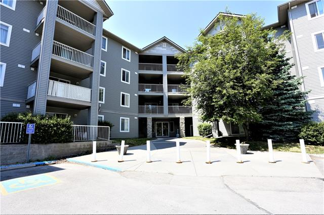 Best valued two bedroom, two bath apartment condo in the complex.  This corner unit shines with natural light.  Open concept unit with bedrooms opposite each other.  Large kitchen with loads of counter top space.  In suite laundry and private balcony, call and book you private viewing today.
