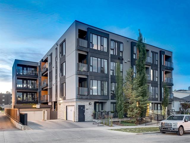 IMMACULATE MODERN CITY CENTER LIVING, GORGEOUS VIEWS, AMAZING LOCATION!!! SOUTH-FACING UNIT w/OVER 1377 sq ft of DEVELOPED LIVING SPACE w/3 BED + 2 BATH + STUNNING VIEWS OVER THE RIVER + DOWNTOWN, SECONDS from MEMORIAL DRIVE. TITLED PARKING STALL in HEATED UNDERGROUND, 9' CEILINGS, A/C, H/W floors w/IN-FLOOR heating, BRAND NEW Appliances + ROLL-DOWN Blinds (to be installed July 6), METAL windows, COHESIVE MODERN THEMES THROUGHOUT + MORE INCREDIBLE FEATURES AWAIT!!! Entrance WELCOMES you, 4 pc Family Bath w/RAINFALL SHOWER HEAD, 3 Bedrooms including Master featuring WONDERFUL PRIVATE BALCONY w/GREAT VIEWS, 4 pc en-suite w/STAND-UP SHOWER, Jack + Jill vanity + ROOMY W.I.C., IN-SUITE Laundry room w/SPACE FOR STORAGE, Kitchen w/HUGE island, GORGEOUS pendant lighting, MATCHING S.S. appl + MODERN tiled Backsplash, Dining area w/DOOR to DECK (w/MORE VIEWS) + TONS OF NATURAL LIGHT, LARGE Living room w/HUGE WINDOWS! INCREDIBLE, LIVE RIGHT ON THE EDGE OF DOWNTOWN!!! THIS CONDO IS ONE TO SEE, BOOK A SHOWING TODAY!