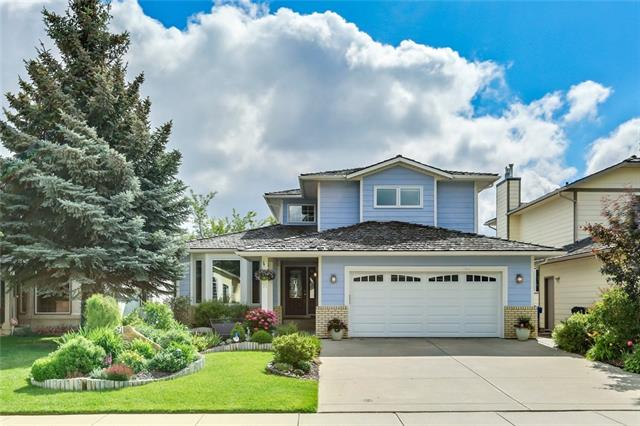 Fantastic home in a fabulous location in Evergreen Estates. With lots to offer, this 2-storey split boasts a great formal floorplan with a front living room overlooking a grand 2 storey enrance. Many recent detailed renovations including a stunning kitchen with white laquer cabinets, full tile backsplash and stone countertops. The main floor also features new harwood flooring, new doors and hardware, new light fixtures and new knock-down stipple ceilings as well as a new fireplace. New windows have been installed throughout most of the home. The walkout basement is fully finished. You can also access the rear yard from the newly-installed spiral staircase from the main-floor deck. The master ensuite is also fully renovated to a high-standard. This home has been well-maintained, including the installation of a new furnace and air conditioning two years ago. Walk to Fish Creek Park! Also near is the LRT and schools. There is tremendous value here! Outdoor play structure is included.
