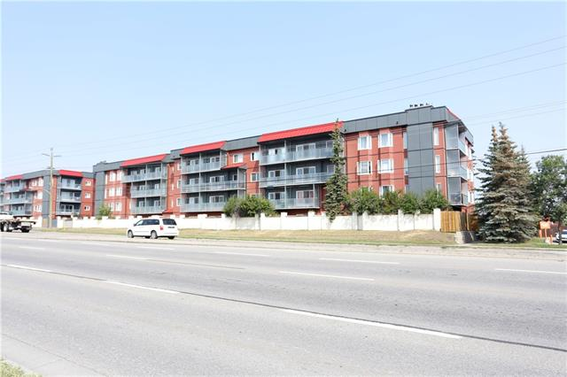 Beautiful spacious one bedroom condo with many upgrades. Features a wood burning fireplace, vinyl plank flooring throughout, a gorgeous updated kitchen with stainless steel appliances and quartz countertops, and main bathroom has been totally renovated. This end unit also features a very generous size patio with a garden. Building envelope has recently gone through a major upgrade with modern fibre composite siding. Conveniently located with ease of access to major roads and to the airport. Close to public transportation and minutes away from shopping and restaurants. Shows 10/10.