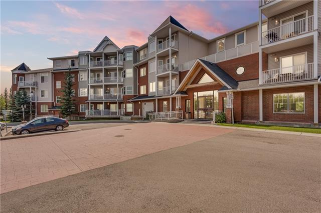 Welcome to the charming community of Mckenzie Towne. This bright and open IMMACULATELY MAINTAINED unit is located in a desirable building with exceptional walkability to all amenities, parks and trails. 1 Bed + DEN with IN SUITE LAUNDRY is perfect for the working professionals or snowbirds who like to travel looking for a safe place with key-fob access to call home. Gorgeously maintained with GRANITE counters, 9FT knockdown ceilings, upgraded lighting and fixtures. Large master bedroom offers WALK-IN closet and view towards GREEN SPACE. Enjoy any day or night on your COVERED BALCONY OVER-LOOKING the PARK. Beautiful grand lobby, party room and library + games area. Underground HEATED PARKING stall to keep your vehicle protected through any seasonal elements. Enjoy some R&R on the Gazebo with friends and family that is backing onto a brick walkway leading to walking and jogging paths around pond. GREAT ACCESS to 52nd, Deerfoot, Stoney, and ALL Shopping.