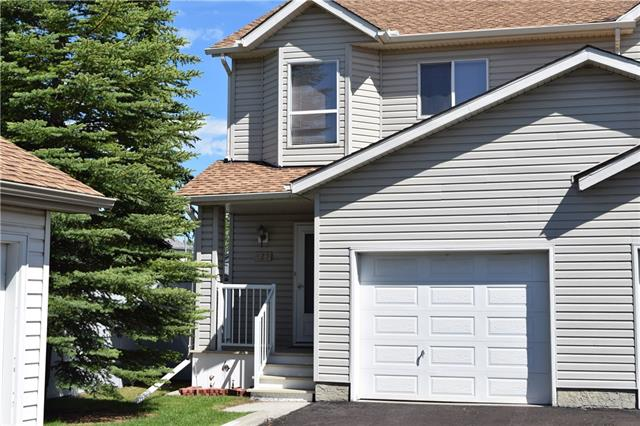 OPEN HOUSE SAT OCT 6, 10-12 PM! Great end unit townhouse with low condo fee in McKenzie Lake! This townhouse has been upgraded with laminated floors in the main level. The open floor plan offers you a kitchen with white cabinets and an island, dining room and living room with back door exits onto a good size deck for your entertainment. You will absolutely love the size of the two bedrooms upstairs with great closets and storage space. A good size loft dividing the two bedrooms and a full bath will complete the upper level. Basement is developed with a family room and entertaining area, also there is currently a storage room where a bathroom can go. This townhouse is located just steps to school, close to all shopping and public transit!