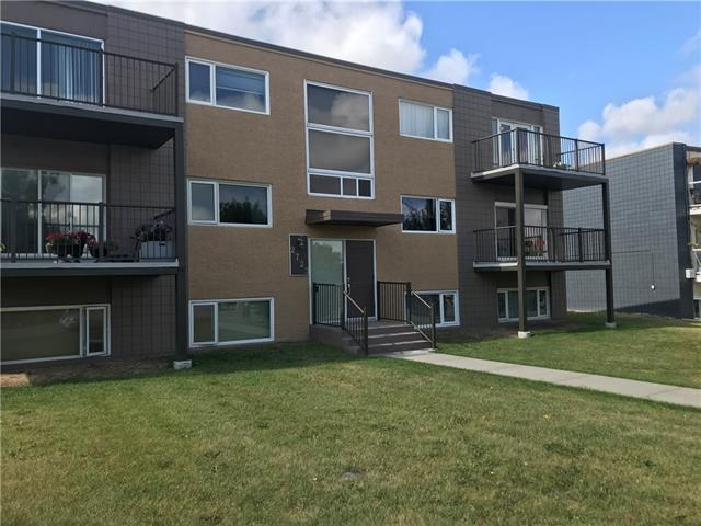 Welcome to this beautiful and spacious 2 bedroom top floor condo in the desirable inner city community of Glenbrook. Only 6 units in this building, quiet with a very short walk out your door to transit, shopping, recreation, food and so much more. This unit has a a spacious layout with hardwood flooring, newer kitchen finishings, two entrances, tons of natural light, and garage parking. On top of the already amazing offerings this unit has, the seller is also offering a bathroom renovation bonus! Don't miss out on your chance to own today! Call to view NOW!