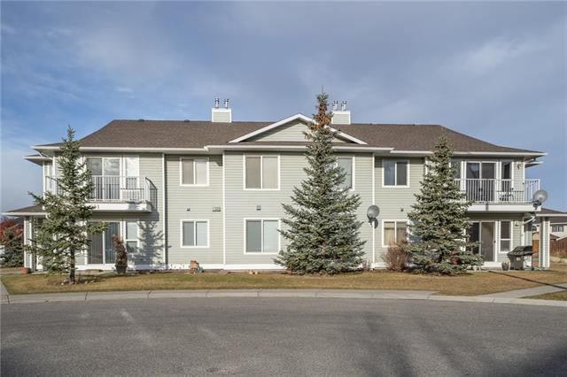 HOME SWEET HOME in High River! This move-in ready, top floor, two bedroom end unit is located on a quiet street and offers a ton of charm. Upon entering, you will instantly notice the bright living and dining room that allows lots of natural light. The stunning kitchen features sleek white cabinets and appliances and a peninsula island. There is additional space next to the living area to accommodate an office nook. Completing the unit are two spacious bedrooms including the master retreat, a full 4 piece bath and a large laundry room with plenty of extra storage space. Standout features include the private balcony with terrific, unobstructed views, an assigned parking stall and tons of additional street parking space for visitors. Close to all the major amenities that High River has to offer and a short drive to Calgary. Don?t miss out on this wonderful opportunity to own, call today for a private showing!