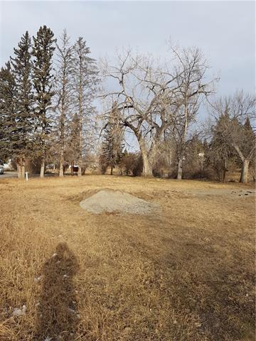 Beautiful lot on a dead end road. Happy trails walkway Park, Creek, Alley access. Not in flood zone.  75 feet x 129.5 feet Flexible development possibilities in this district. Call your favorite Realtor today. Selling realtor is one of the owners