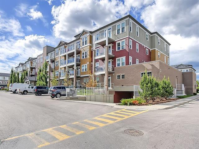 Very well priced 1 b/r condo with HEATED TITLED UNDERGROUND parking and lots of storage. This 3rd floor unit has a bright open floor plan. In suite washer/dryer. Built-in wall/desk unit perfect for home office. Close to schools, shopping, transit and Stoney Trail. Newer stainless steel appliances.