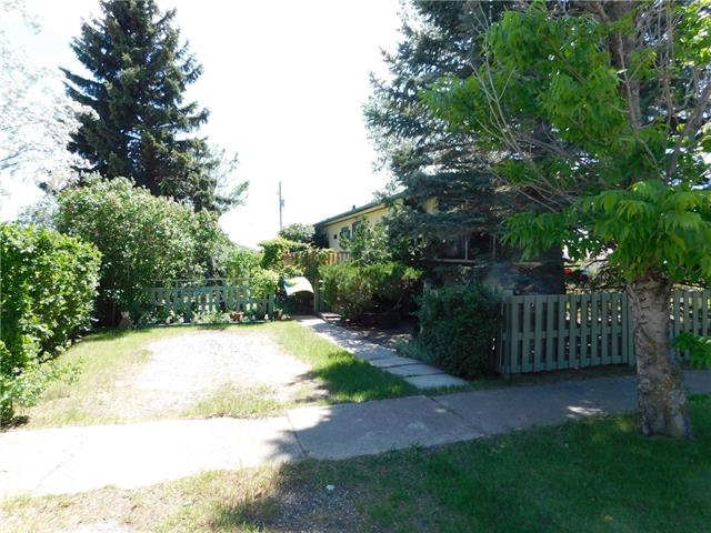 Are you looking for an escape from the city? An affordable home in a small town? This two bedroom manufactured home has a mature yard and a large deck. A bright and colourful home with loads of personality. Close to the park and in a quiet area, make your small town dreams come true. Furnace - new- 2012, hot water tank - new - 2015, shingles - 2006 - 25 yr. warranty.