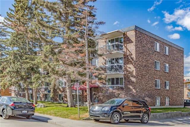 This is a great opportunity for first time home buyers to secure this 2 bedroom TOP FLOOR apartment right off of ELBOW RIVER with great views from the BALCONY. Located in the inner city, owning this property will place you close to not only a multitude of amenities but also a very short commute to the core of DOWNTOWN Calgary.