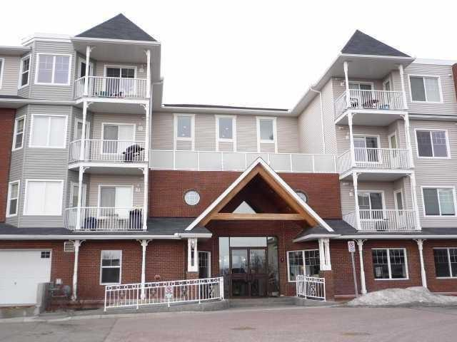 Excellent opportunity for 1st time buyers or those just looking to downsize. This 2 bedroom 1 bath main floor unit has 2 UNDERGROUND PARKING STALLS. Superb location in the heart of Prestwick allows easy access to Stoney & Deerfoot Trail, South Health Campus, restaurants, shopping and bike baths to the river valley. Extensive renovations have been completed to the building envelope and the condo fees are in line with similar buildings after special assessments - especially with 2 parking stalls!