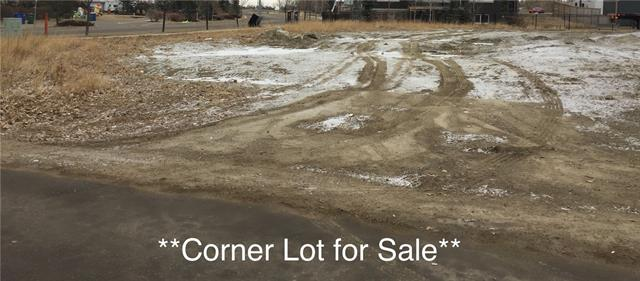 HUGE CORNER LOT!!!!!