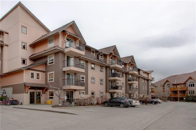 TOP FLOOR /FANTASTIC VIEWS!Ideally located on the top floor of a quiet building this home is perfect for INVESTORS/WEEKENDERS/ FIRST TIME BUYERS! This 2 bed/2 bath unit is bright and spacious with a full appliance package inclusive of washer/dryer and fabulous MOUNTAIN VIEWS all the way down to CASCADE MOUNTAIN. Low monthly condo fees/ 1 plug-in parking spot/bicycle room and a 5 minute walk to the Shops Of Canmore. This is one you don't want to miss!