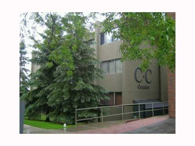 Great location, located in Bankview, 5 min to downtown & easy access to Crowchild Trail. 2nd floor unit with 2 bedrooms, den, 1 full bath, kitchen, spacious living room with access to the deck. Good unit for first time buyers or an investor. Laundry is on each floor, also 1 covered stall number 202. Possession very flexible. Close to bus, shopping, schools, green spaces & all other amenities.