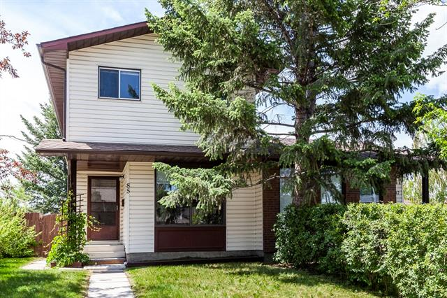 Nicely renovated three bedroom home with a west back yard on a quiet street on a crescent in Cedarbrae. New carpets, Lino and paint. One half bath on the main floor and a full bath upstairs. Quiet area but, handy to schools and shopping.