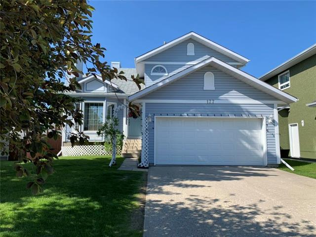 OPEN HOUSE SATURDAY Nov 9th 3-5 pm. Excellent floor plan, all the rooms are spacious and bright. South facing backyard. Close to schools and green spaces. The pathway lead to Bowness park.  New furnace and boiler, new appliances. Well maintained and ready to move into. Main floor offers a large formal living room with vaulted ceilings and fireplace, family room with fireplace, kitchen with a large eating area and center island. The best part is all these areas are facing south. Lots of natural light. A two piece bath and good size laundry room are just off the garage entrance. The upper floor has 3 large bedrooms and a full bath,. The master bedroom has walk in closet, 5 piece bath with large soaker tub and shower. There is access from the kitchen to a deck with automatic awnings over the back deck for those hot days. Mature landscaping, back lane and fenced rear yard.