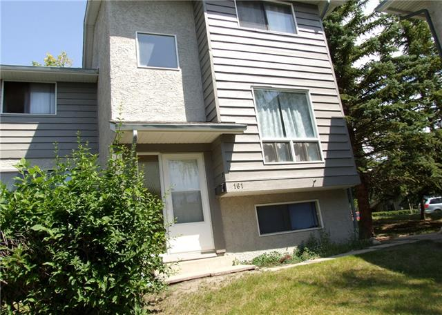 Nicely Renovated 3 bedroom Town Home. New Carpet, New paint and new laminate.  Stainless appliances. Nicely treed complex