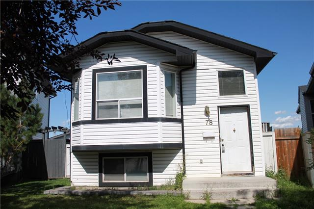 INVESTORS & FIRST TIME HOME BUYERS (Live Up/Rent Down)! Spacious &Mint condition Bi-Level  on a Large Lot With 505 Sq.M. of land with detach garage and fully finished basement with separate rear entrance. The main floor has a Large kitchen with a Pantry, Dining Room, Living Room and 3 bedrooms. The basement has one bedroom, living room and Laundry with separate entrance. Fully Fenced Backyard backing onto a green space with RV Parking, This home is located on a quiet Cul-De-Sac and is steps away from the Bus Stop, Parks, Schools. Call today to book your showing.