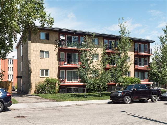 Hello Gorgeous! This small but mighty apartment is in a great location in Calgary, AB in the SW community of Bankview. With 1 BED & 1 BATH at 580 SqFT, every aspect of this space is carefully thought out. Walking in, you are greeted with the open concept layout and enter the gorgeous kitchen with maple cabinetry, granite countertops, & matching black appliances. Tons of natural light from the large patio door in the cozy living room, plus a convenient build-in desk connecting the living & dining areas make this a well planned living space. The MSTR BED is spacious with enough room for a king bed & features a custom closet, plus a large window for lots of natural light. The BATH includes a tub/shower, great lighting & features an in-unit washer/dryer. With assigned parking, a view of the city, as well as being located 5 minutes from 17th Ave, 15 from Mount Royal University and downtown Calgary, this complex is in a great location
