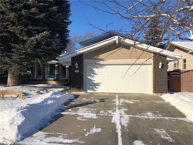 Perfectly located home on one of Parkland's most prestigious streets, Parkview Crescent. This 2 storey split home has been well maintained, & offers over 2700 sq. ft. of developed space. Great curb appeal - front garage & newer Hardie Board siding. Updated kitchen is one of the larger you'll see in the community, & overlooks the large, sunny backyard. Huge island & lots of cabinet storage. 4 bedroom above grade, the master features a full ensuite. Bathrooms have new flooring. Updated family room with fireplace & beautiful built-in's. Full basement development featuring new carpet, rec areas & great storage space. The front attached garage really opens up the backyard. This is a great space & gives you plenty of space if you wanted to build an additional garage or shop. Enjoy the deck & hot tub & watch your children play. This is a super quiet street right in the middle of the community - great access to schools, parks, Fish Creek & Park 96.