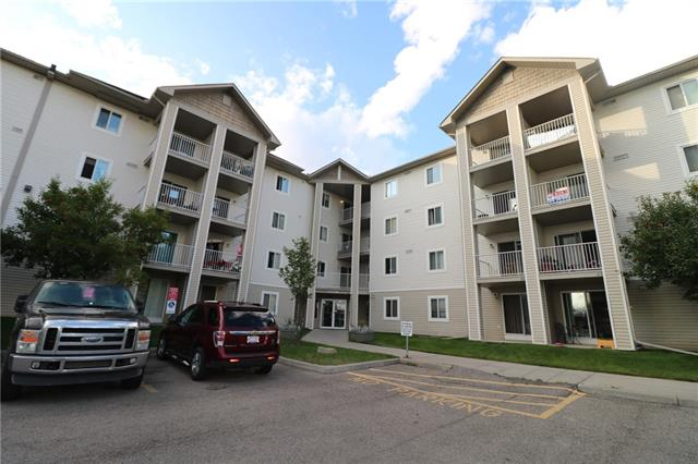 Well priced 1 bedroom and a den condo unit in popular Red Carpet with in-suite laundry, balcony and views of the surrounding area and partial view of Eliston Park. This is a safe and well maintained complex located minutes to public transportation, shopping, restaurants and more! This complex accepts all breed of dogs with no restrictions on size or weight and an off-leash area is just across the street. This unit comes with a surface parking (stall #44) and it is vacant for immediate possession. Don't miss out, call to view today.