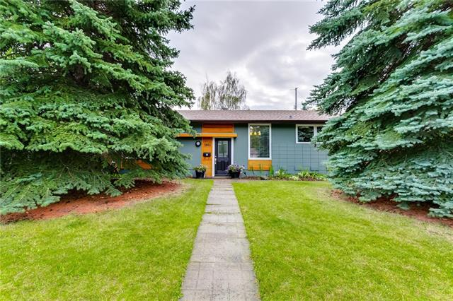 Located on a quiet crescent ACROSS THE STREET FROM A PARK with playground and tennis courts, and a few minutes walk to JENNIE ELLIOT SCHOOL, BISHOP PINKHAM SCHOOL, and walking distance to CONNECT CHARTER SCHOOL as well as LAKEVIEW PLAZA with numerous amenities, shops and restaurants including IGA Grocery, and Scotiabank; this well-maintained bungalow on a HUGE lot with over 1900 sq ft of living space is ideally located. A separate entry steps up to the family room and dining room adjacent to the sunlit kitchen with stainless steel appliances and breakfast bar. The large master bedroom with private door to the bathroom overlooks the massive South facing backyard. Two other good-sized bedrooms and full bathroom complete the upstairs. The bright lower level features a great room,  a huge flex room, as well as a full bathroom and ample storage rooms and laundry room.  The beautifully landscaped backyard also offers RV parking.