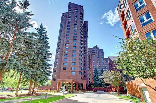 LIVE, WORK, PLAY. Welcome to 1600+ SQ FT of maintenance free living. Live downtown backing on to Princess Island Park in the fabulous Eau Claire Estates condo complex. Being in Calgary's downtown core you are just a few minutes walk to the +15 system, Eau Claire Market, Cinema's and Gyms. This large 2 bedroom and 2 full bath unit features an open and spacious living room/dinning room area perfect for entertaining complimented by laminate flooring, update appliances and a beautiful view of the courtyard. Living at Eau Claire Estates you have 24/7 security, onsite new renovate gym, swimming pool, hut tub, secure underground parking, storage, car wash, garden area, BBQ area, balcony and much more. Your new home awaits you!