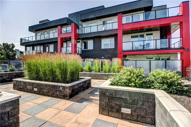 An exclusive opportunity to own in the historical community of Inglewood. This newer development, I.D. Inglewood was built by Sarina Homes one of the trendiest builders in the city. Situated right next to an urban park, and a few steps from bistros, pubs, restaurants, and the bow river pathway. This beautiful boutique style one bedroom plus den condo is bright, elegantly modern with a contemporary design. Walking in you will notice the 9 ft ceilings and the sleek streamlined European styled cabinetry, quartz countertops, lavish under cabinet lighting and the stainless steel appliances (gas stove). This unit offers a large master bedroom with a spacious walk through closet (ensuite laundry) to the luxurious private en-suite bathroom with granite countertops & subway tiles. The half bath is perfect for guests while entertaining. The balcony faces south with views of the city skyline. Hurry this place won't last long at this price.