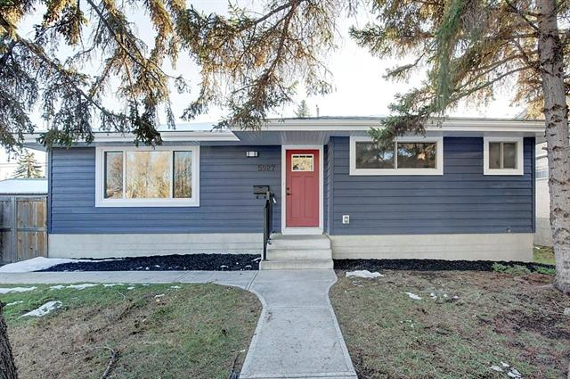 Fully Renovated Bungalow with a total of over 2300 sqft on a 55'x105' lot. Exterior has new Hardie Board and exterior doors. Huge Gourmet Kitchen w/Stone White 10' Island & Quartz Countertops, White Flat Panel Soft Closing Custom Cabinets & Grey backsplash, S/S LG Appliances throughout. Master Bedrm w/dual sinks and white tiled standup shower, new vanity and toilet. 2 other good sized bedrooms & renovated bathrm w/new tub, vanity & toilet on the main flr. All new baseboards, trim & built in closet shelving, Matte black hardware throughout. Fully Developed Basement has a large open Rec Rm, an additional bedrm w/Egress window and additional 3pc bathrm w/standup shower. Large storage/hobby rm, laundry rm with washer/dryer/freezer. Newer Furnace, Hot Water tank, windows. SW Backyard has RV gate, Oversized double garage backing onto a paved alley. Located on a quiet street close to Jennie Elliott, Connect Charter & Bishop Pinkham schools, Biking/walking paths to North Glenmore Park & shopping. 15 mins to DT