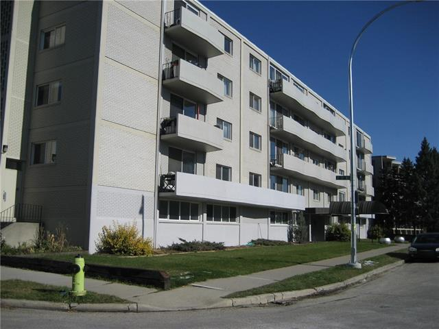 Bright and updated unit in concrete building with balcony. Great quiet location on the ridge, with Downtown and river view from front of building. Walk to Downtown, Rotary Park, Prince's Island and St. Patrick's Island Parks. Assigned parking and storage locker.