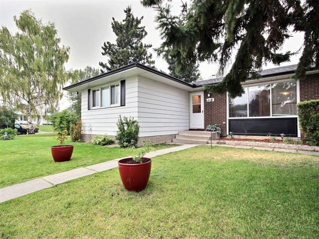 LOCATED ON A�QUIET MATURE, PIE SHAPED LANDSCAPED LOT ,FRONT PAVED LONG DRIVEWAY. A SOUTH SUNNY BACK YARD WITH ALSO PAVED BACK ALLEY.�CLOSED TO ALL SCHOOLS, PARKS AND MARBOURGH MALL. SEPARATE BACK DOWN STAIRS ENTRANCE,WITH A OFFICE SPACE. UPPER HARDWOOD FLOORING AND A 4 YEAR SHINGLES.