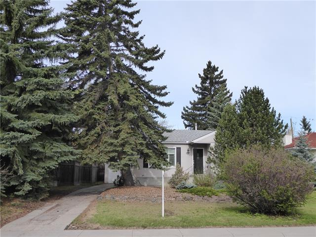 Solid Bungalow in Richmond/Knobhill area. Good sized rooms, the living room features a gas fireplace, the dining room features access onto a huge deck. The kitchen has been updated, corian counters with a breakfast bar, a gas stove cook top and a separate wall oven feature and lots of cabinets, a large bay window feature as well. There is an updated main bath, and additional 4 pce bath down, a fully developed lower level features a den, huge rumpus room, laundry, newer forced air furnace.  The home has a single detached garage with front drive access. The backyard has many trees and offers privacy with a southwest exposure lot. The home is very well located and close to all amenities.