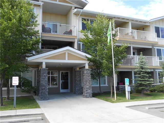 If you are looking for condominium living quite nice of neighbors . So this is top floor ,corner unit is for you , this well maintained unit has many of upgrades . Located in Kings Heights, a very good location in Airdrie. walking distance shopping Centre.