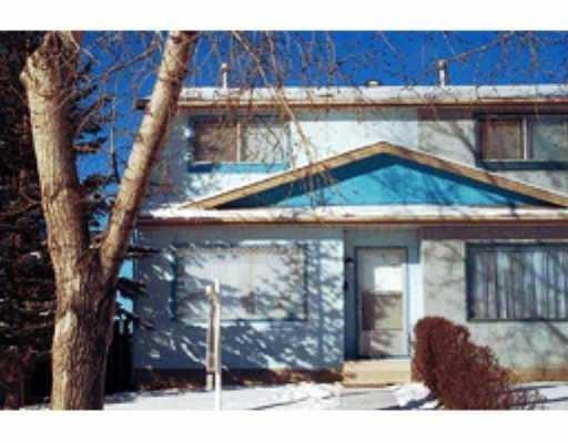 GREAT HOME FOR FIRST TIME HOME BUYER, CHEAPER THAN A CONDO OR A TOWN HOUSE, NO CONDO FEES. 3 BED ROOMS, 1.5 BATH.  CLOSE TO SCHOOLS SHOPPING PUBLIC TRANSIT. FULLY FENCED. GOOD SIZE KITCHEN WITH A NOOK,  SLIDING DOOR TO REAR YARD AND DECK. ONE YEAR OLD CARPET AND PAINT. THIS HOME IS WALK TO ALL KIND OF SHOPPING ,SCHOOL AND TRANSIT. SELLER IS WILLING TO CHANGE THE ROOF IF THE OFFER IS REASONABLE. VACANT FOR A QUICK POSSESSION.