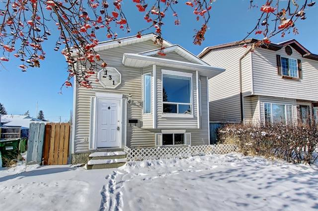 WELCOME TO THIS NEWLY UPGRADED GORGEOUS BILEVEL IN COMMUNITY OF MARTINDALE. NEW LAMINATE FLOORING THROUGHOUT, YOU WILL LOVE THIS BRIGHT KITCHEN!! NICELY PAINTED INTERIOR, LARGE LIVING ROOM WITH BIG WINDOWS, VERY BRIGHT HOME, 2 GOOD SIZED BEDROOMS ON THE MAIN AND AN UPDATED 4 PIECE BATH, PATIO DOORS OFF THE LARGE EATING AREA LEAD TO A DECK AND FULLY FENCED BACK YARD. LOWER LEVEL HAS AN ILLEGAL MOTHER-IN-LAW SUITE WITH A FULL KITCHEN, LIVING ROOM, UPDATED 3 PIECE BATH AND OVERSIZED BEDROOM. NEW STOVE AND REFRIGERATOR, BEAUTIFUL LANDSCAPING, OFF STREET PARKING. CLOSE TO THE SUPERSTORE, SCHOOL AND LRT, SHOW TODAY BEFORE IT IS GONE! OVERSIZED BEDROOM. NEW STOVE AND REFRIGERATOR, BEAUTIFUL LANDSCAPING, OFF STREET PARKING. CLOSE TO THE SUPERSTORE, SCHOOL AND LRT, SHOW TODAY BEFORE IT IS GONE!