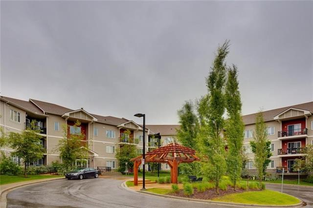 """A BEAUTIFUL 2 bedroom, 2 full bathroom located in the heart of Sherwood in the popular complex of """"Treo at Beacon Heights"""". A very well managed complex that is within walking distance to BEACON HILL PLAZA which includes Costco, Home Depot, Restaurants, Goodlife Fitness, WalMart and many more! Transit stops nearby, as well as many pathways for bike rides or for simply taking a stroll with nature. Step inside and you'll discover a SPACIOUS open concept kitchen, living and dining room floor plan that's flooded with NATURAL LIGHT. The kitchen features dark maple cabinets with granite countertops and sleek black appliances. Step outside the living room to the balcony and enjoy bbq's or relaxation. The spacious master bedroom has a full ensuite bathroom with a walk-in closet. Bedrooms are located on opposite sides of unit which is perfect for privacy with occupants preferring to live with roommates."""