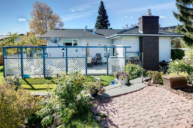 Welcome to this fully developed 1600+ sq ft Bungalow on a quiet crescent in West Dalhousie, backing onto an off-leash dog park, with access to a rear pathway for walking & biking to C-train, shopping or other city bike routes. Nearby are all 3 public & separate schools. The back yard includes a low maintenance perennial garden, retaining walls, as well as natural gas outlets for BBQ & patio heater. Enter this home through the large foyer, open to liv/dining rm area, leading you to the updated kitchen with Corian counters & new SS appliances. Through the kitchen, you?ll have access to the family room w/thermostat controlled gas FP & patio outside. Upon entering the master bedroom, you?ll find a double closet, 3 pce-ensuite, main bath & 2 bedrooms located on the main floor. In the recently professionally renovated basement, consists of a 4th bedroom, 1/2 bath, laundry room, large media room, storage room, new furnace, & hobby area. Finally, the attached garage is wired for 240 & has access to a gas furnace.