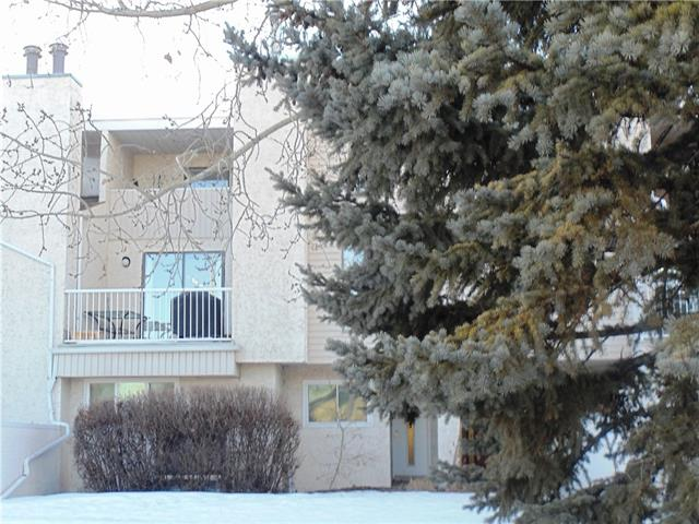Mclaurin Village, right in the heart of the upscale community of Varsity, blocks away from the University of Calgary. This 2 bedroom home features ceramic floor tile throughout main floor, wood burning fireplace with 2 balconies, one off of dinning room area and one connected to the upper master bedroom. This unit comes with a newer commercial furnace with central air conditioning, laundry room off of main floor kitchen and 2 small storage areas.The property is well managed with condo fees of only 212.00 monthly. Great location with easy access to Crowchild trail and shopping malls, large park joins on the west side of property. Priced to sale!